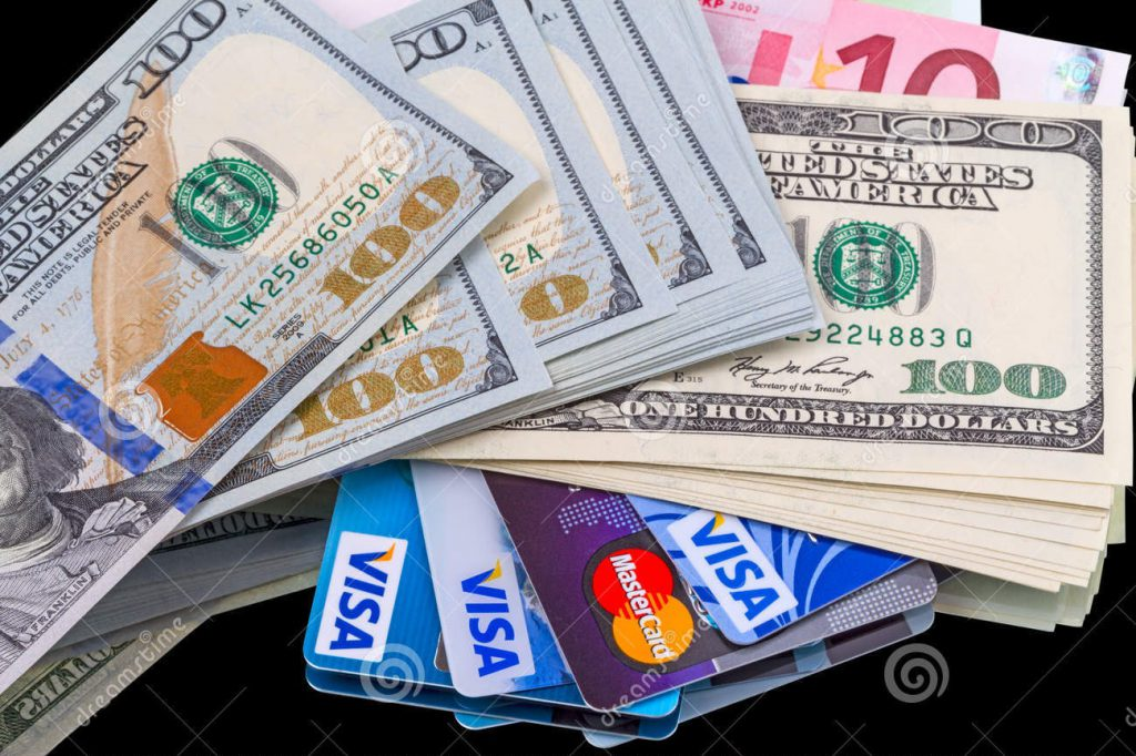 Кредитные карты - основной источник доходов большинства банков